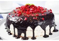 Млинцевий торт з ніжним вершковим кремом